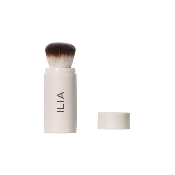 ilia radiant translucent powder brush spf20